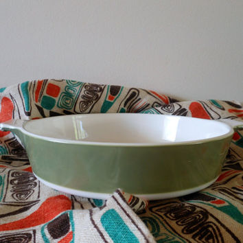 Avocado Green Corning Ware Casserole, 60's Green Corning Baking Dish P-7081/2-B Made in USA, Mod Casserole
