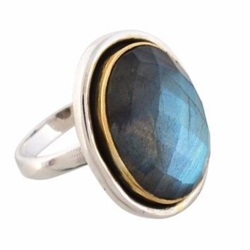 Arvino 925 Sterling Silver Ladies Ring With Labradorite Gemstone