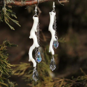 White Coral Branch and Crystal Earrings by Hieropice on Etsy