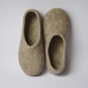 Ready to ship! EU 39/40 US 8,5/9 UK 6/6,5 Felted slippers-wool slippers- wool clogs- feet warmers- beige slippers- minimalist slippers
