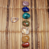 7 Chakra Stones Box Set of Healing Crystals to Balance Your Chakras During Meditation or Reiki Energy Healing Work - Chakra Crystal Grid