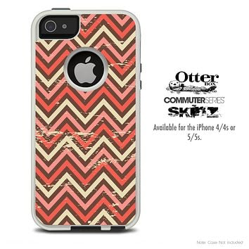 The Coral Abstract Chevron Pattern V2 Skin For The iPhone 4-4s or 5-5s Otterbox Commuter Case