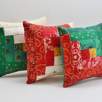 Christmas Colors Log Cabin Decorative Pillows - Tucks - Ornies - Green - Red - Cream - Home Decor