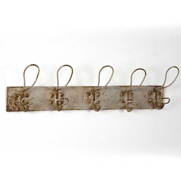 Rustic Primitive Sturdy Metal Wall Mounted 5 Hook Ivory Coat Rack