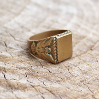 Vintage Men's Insignia Brass Ring with Eagle on Sides
