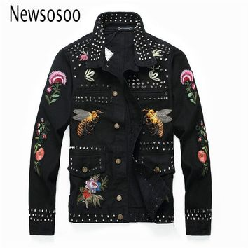Trendy European American Style Pattern mens Badge denim jacket brand luxury men Outerwear & Coats black denim jacket Rivet slim jacke AT_94_13