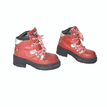 size 7 PLATFORM hiking boots vintage 80s 90s RED club kid INSULATED chunky lug sole booties