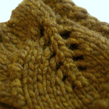Knitted Rustic Wool Cowl - Olive Green Wool - Chunky Leaf Pattern