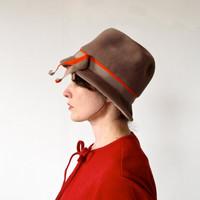 vintage 40s hot chocolate brown felted wool cloche hat with orange ribbon