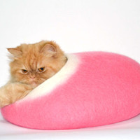 Fuchsia cat bed, felted cats cave, pink, pets house