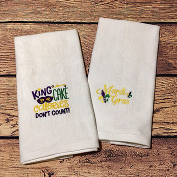 Kitchen Towels,Mardi Gras Decor,Monogrammed,King Cake Monogram,Hand Towel,Mardi Gras Towel,Decorative Towels,Housewarming Gift,Hostess Gift
