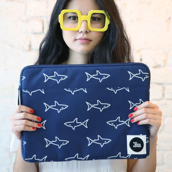 "Canvas Laptop Case 15"" Shark Print"