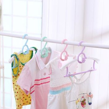 1Pc Durable Baby Telescopic Clothes Hanger