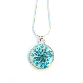 Turquoise Queen Anne's Lace Resin Pendant Necklace - Real Pressed Purple Flower Encased in Resin, Pressed Flower Jewelry - Resin jewelry