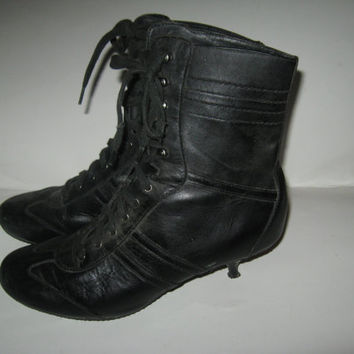 black leather Victorian style laceup ankle boots sz 8 1/2 m