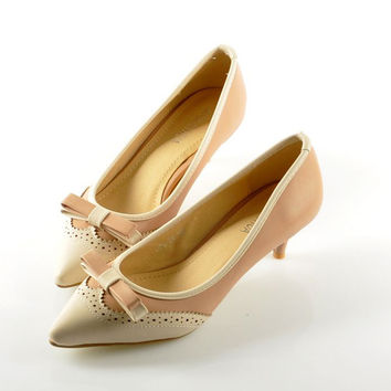 Stylish Women&#039s Kitten Heel Pumps With Bow and Color Splicing Design