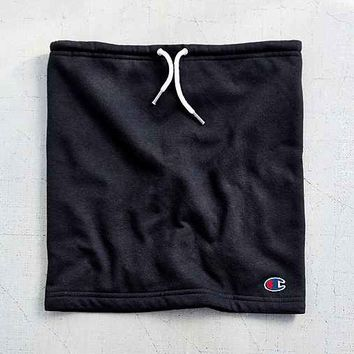 Champion X UO Fleece Snood Scarf- Black & White One
