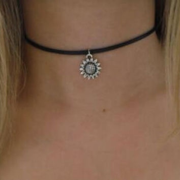 Sunflower 90s Black Leather Choker. Boho Flower Choker Necklace Hipster Sunflower Charm Choker Hippie Goth Gothic Jewelry+ Gift Box