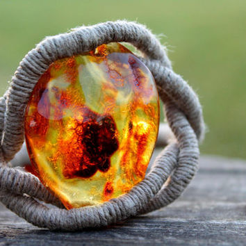 Huge Honey Baltic Amber Bracelet / Eye of Sauron / Natural Eco Friendly Jewelry Zen / Pure Organic Linen / OOAK Raw Stone / Gift For Her