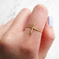 Sideways Cross Ring//cross ring, gold cross ring, side cross, wire ring, adjustable ring, Brass ring, metal ring,Dainty ring,Minimalist,Gift