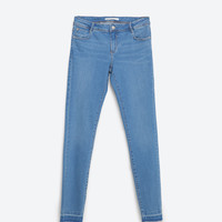 ESSENTIAL FITS JEANS