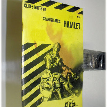 Cliff Notes on Shakespeare's Hamlet (Paperback) (Unlimited Books $4 Shipping)