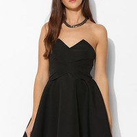 Keepsake 3 Dimensions Structured Strapless Dress - Urban Outfitters