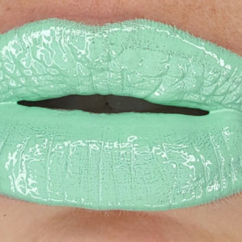 "High Pigment Cream Gloss in "" Sea Foam"""
