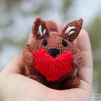 Sally the Squirrel knitting pattern for beginners and advanced knitters, spring gift and decoration, easter, gift for kids and adults