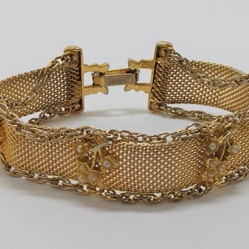 Pretty Vintage Goldette Mesh Bracelet, Gold tone finish, Faux Pearl Designs, Costume Jewelry Bracelet, Signed Goldette,