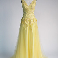 V Shaped Neckline Hi-lo Yellow Chiffon Grenadine Dress