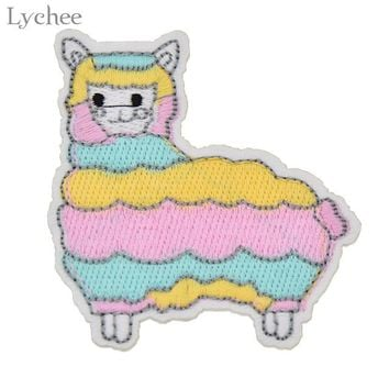 Cartoon Alpaca Iron On Patches Embroidered Applique Patch Handmade Clothing Sewing Decoration