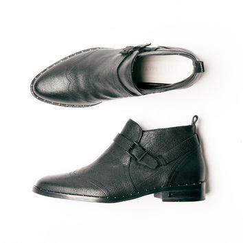Man Low Cut Ankle Boot