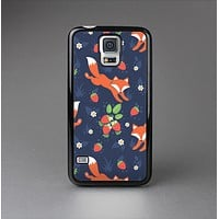 The Running Orange & Navy Vector Fox Pattern Skin-Sert Case for the Samsung Galaxy S5