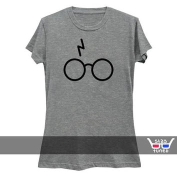 Slim Ladies Fit: Minimal Harry Potter / Gryffindor / Movies / hermione granger / Magic / Spells / Hogwarts / Wizard / Witches / Dumbledore