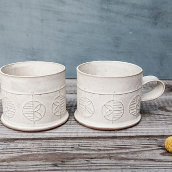 ceramic cup, White textured Tea Cups, Modern Coffee Mug in White , handbuilt ceramic cup, leaf Pattern cup