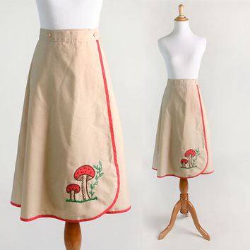 Vintage Wrap Skirt - 1970s Mushroom Embroidered Spring Skirt - 32 inch Waist