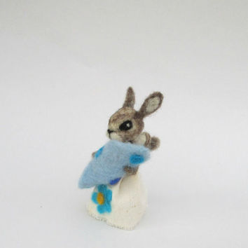 Felted Mother Bunny with baby son New mom & baby Sweet rabbit Wool Bunny family Blue blanket Animal family Mother's day gift Felt small hare