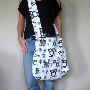 Cross Body Bag. Owl Purse. Teacher Bag. Large Fabric Purse. Custom Options. Black and White Purse. Messenger Bag. Casual Fashion. Fall Line.