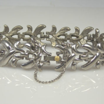 Vintage Monet Silver Tone Link Bracelet Retro Costume Jewelry Mad Men Designer