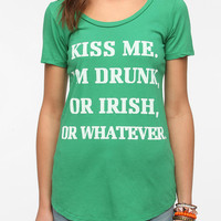 Urban Outfitters - Truly Madly Deeply Kiss Me Tee