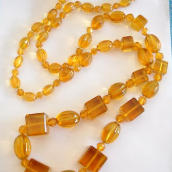 Art Deco Necklace Crystal Glass Czech Beaded Cubes Graduated Faceted Beads Yellow Topaz Amber Flapper Necklace 1920s Statement Necklace