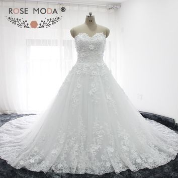 Rose Moda Luxury Lace Ball Gown with Royal Train Strapless 3D Lace Wedding Dress 1M Train Plus Size Wedding Dresses 2018