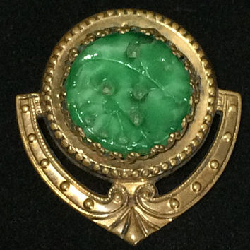 Carved Green Peking Glass Brooch Art Deco Molded Glass Floral Pin Gold Tone Romantic Vintage Jewelry 518