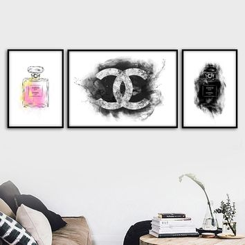 Paris Brand Logo Perfume Wall Art Canvas Painting Nordic Posters And Prints Decoration Pictures For Living Room Salon Home Decor