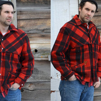 Vintage 1950s Black & Red Plaid Mackinaw Wool Hunting Jacket