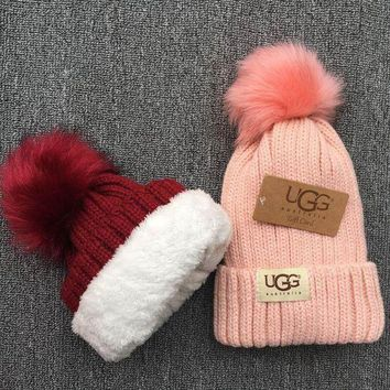 DCCKW2M UGG Knit And Pom Hat Cap