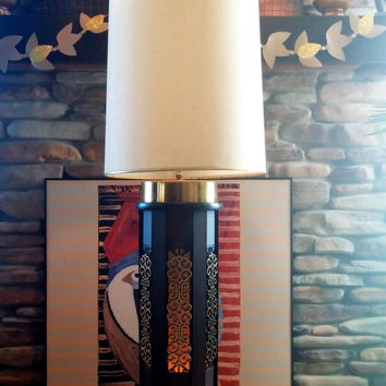 TALL REGENCY LAMP - Mid Century Table Lamp - Asian - Chinoiserie Chic - Wood and Glam Gold - Mood Lighting Base - True 1960s Vintage Retro