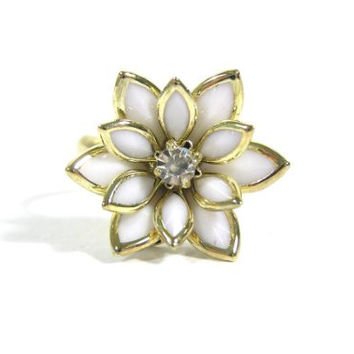 Lotus Flower Ring Adjustable Gold Tone White Floral Petals RD11 Crystal Fashion Jewelry