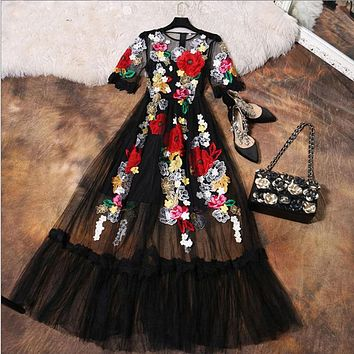 Luxury Dress New Summer Fashion Designer New Elegant Flower Embroidery Appliques Black Mesh Slim Women Vintage Long Dress
